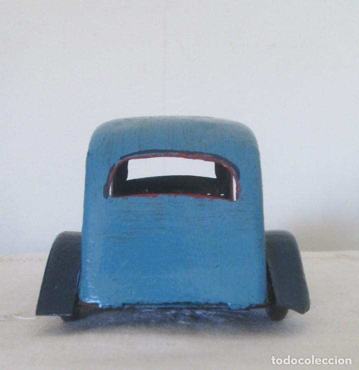 Juguetes antiguos de hojalata: Antiguo coche en lata, de arrastre - Foto 5 - 112090823