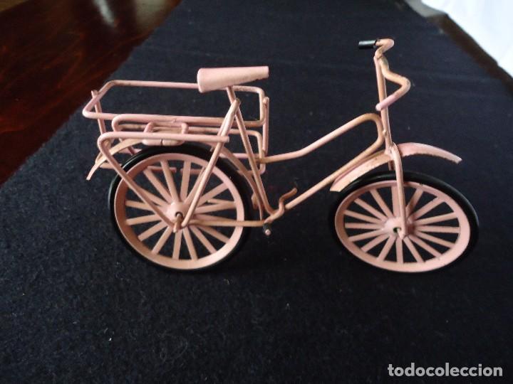 Juguetes antiguos de hojalata: BICICLETA PARA MUÑECAS - Foto 2 - 112656799