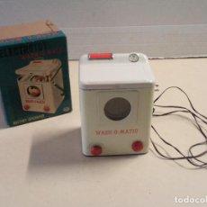 Juguetes antiguos de hojalata: LAVADORA ELECTROTOY WASH-O-MATIC CON CAJA - MODERN TOYS - JAPAN. Lote 112896431