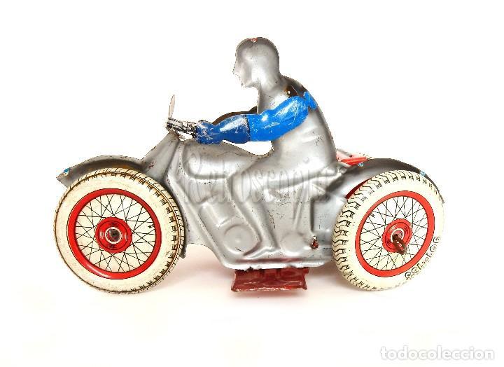 Juguetes antiguos de hojalata: MOTO MOTOCICLETA DE HOJALATA CHAPA CON SIDECAR SFA PARIS FRANCIA AÑOS 50 - Foto 3 - 114393691