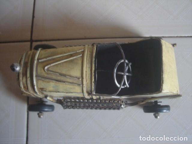 Juguetes antiguos de hojalata: Antiguo coche de carreras de hojalata. 18 cm. - Foto 5 - 115021403