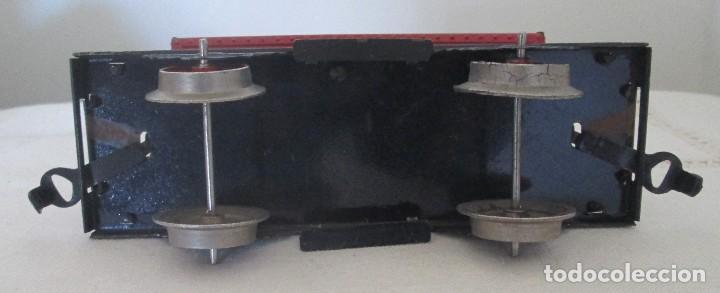 Juguetes antiguos de hojalata: Antiguo vagón tolva basculante en chapa - Foto 5 - 117020095