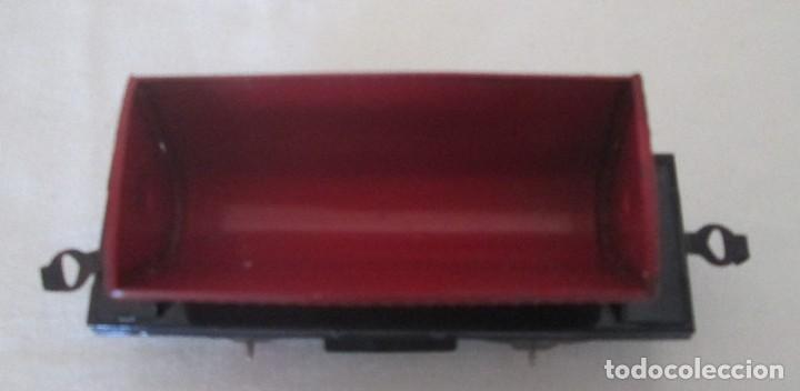 Juguetes antiguos de hojalata: Antiguo vagón tolva basculante en chapa - Foto 6 - 117020095