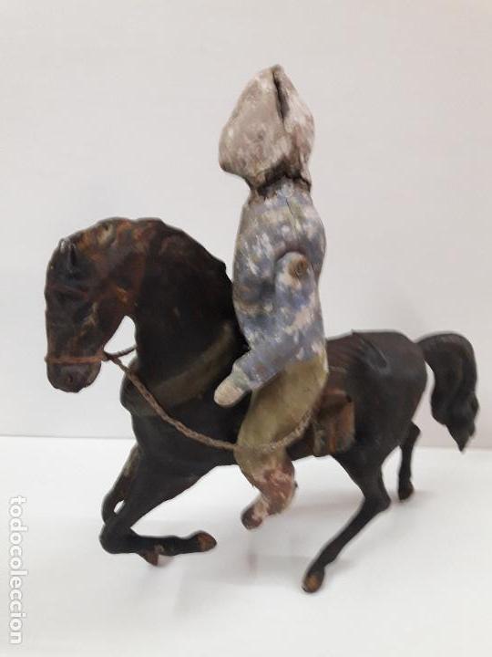 Juguetes antiguos de hojalata: MUY ANTIGUO SOLDADO A CABALLO . REALIZADO EN CARTON PIEDRA Y HOJALATA - Foto 8 - 117044691