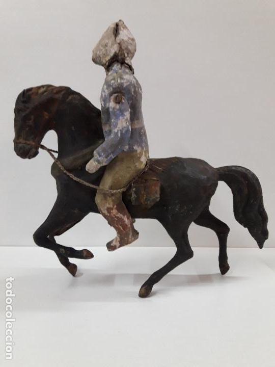 Juguetes antiguos de hojalata: MUY ANTIGUO SOLDADO A CABALLO . REALIZADO EN CARTON PIEDRA Y HOJALATA - Foto 9 - 117044691