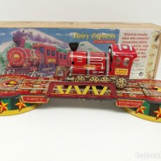 Juguetes antiguos de hojalata: FAIRY EXPRESS WONDER LOCOMOTIVE LOCOMOTORA DE IDA Y VUELTA A CUERDA TIN TREASURES. Lote 117326915