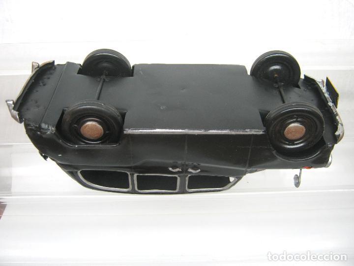 Juguetes antiguos de hojalata: 31 cm - Gran coche ingles en chapa metal - taxi - Foto 8 - 117640763