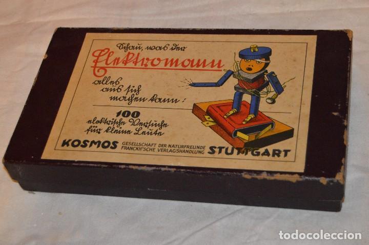 Juguetes antiguos de hojalata: ANTIGUO Y VINTAGE - años 30 / 40 - JUEGO ELÉCTRICO - SCHAU, WAS DER ELEKTROMANN - KOSMOS - HAZ OFERT - Foto 10 - 119229915