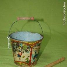 Juguetes antiguos de hojalata: CUBO Y PALA DE LATA ANTIGUO. Lote 119475011