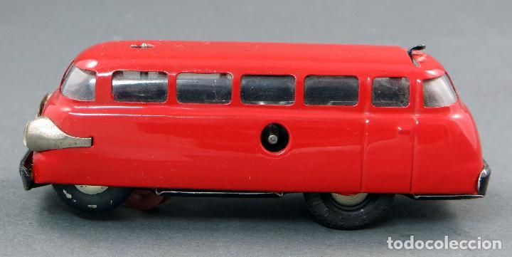 Juguetes antiguos de hojalata: Autobus Schuco Varianto 3044 Bus Germany a cuerda años 50 Funciona - Foto 4 - 120301639