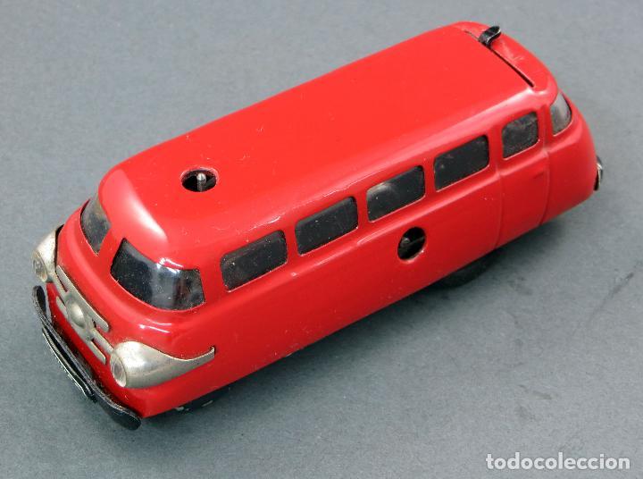 Juguetes antiguos de hojalata: Autobus Schuco Varianto 3044 Bus Germany a cuerda años 50 Funciona - Foto 5 - 120301639