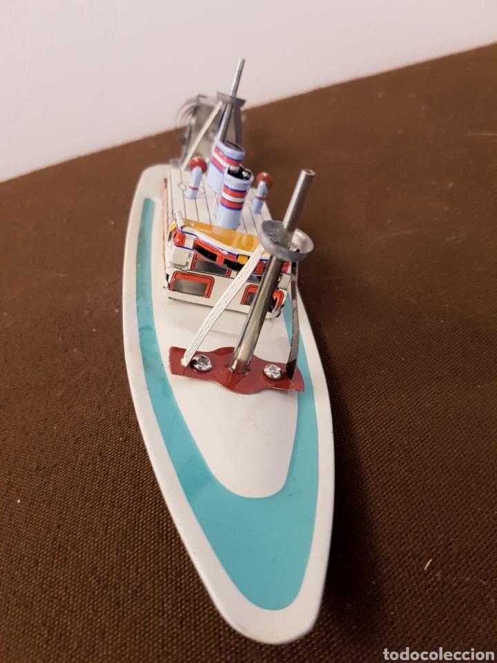 Juguetes antiguos de hojalata: Barco de hojalata a cuerda, paya, con llave - Foto 2 - 181925637