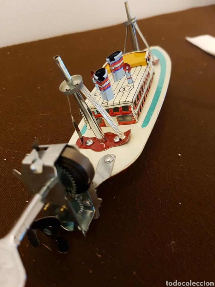 Juguetes antiguos de hojalata: Barco de hojalata a cuerda, paya, con llave - Foto 4 - 181925637