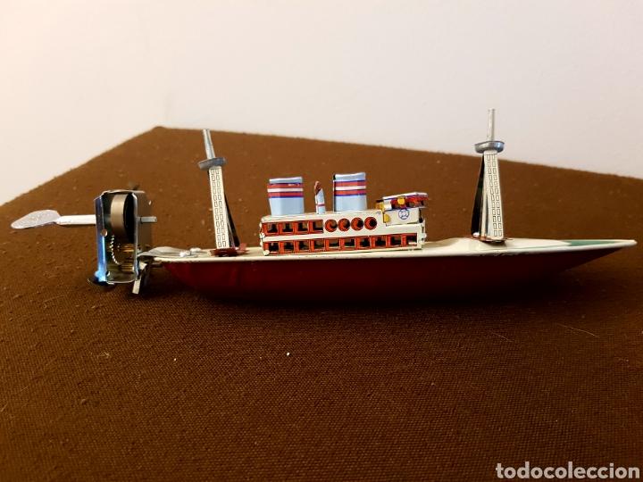 Juguetes antiguos de hojalata: Barco de hojalata a cuerda, paya, con llave - Foto 5 - 181925637