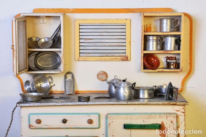 Juguetes antiguos de hojalata: Antigua cocinita con electricidad - Viuda e hijos de Marsal Denia, cacharritos - Cocina juguete - Foto 2 - 120726203