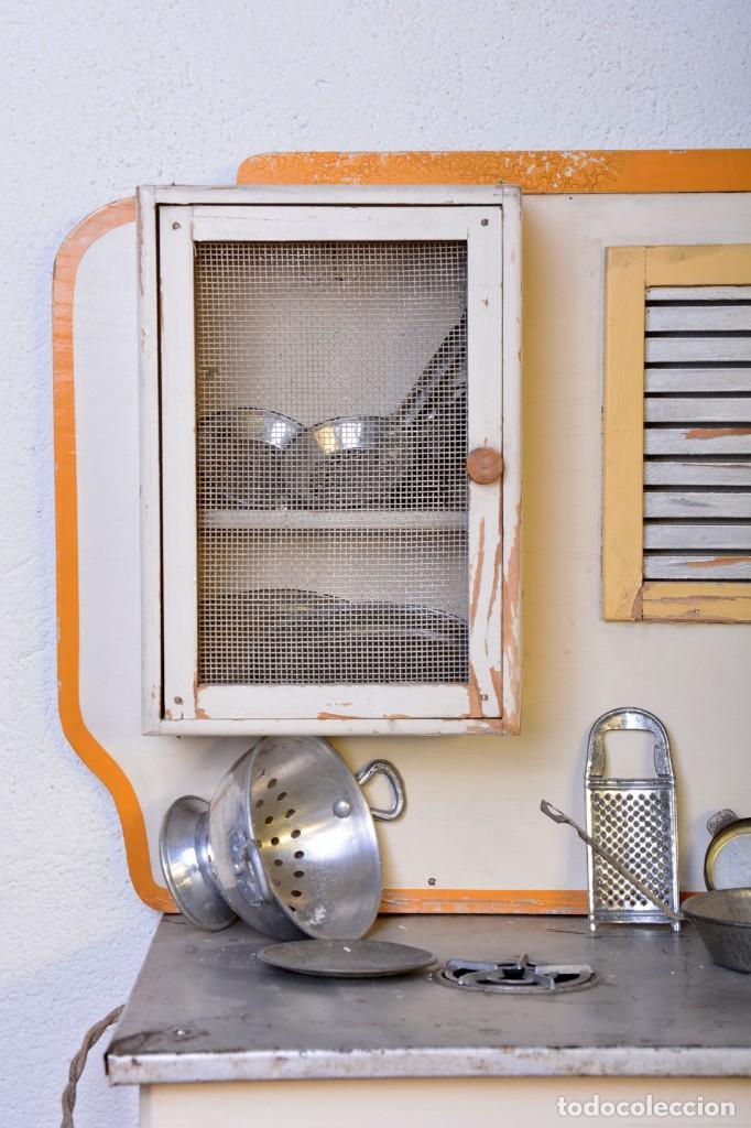 Juguetes antiguos de hojalata: Antigua cocinita con electricidad - Viuda e hijos de Marsal Denia, cacharritos - Cocina juguete - Foto 12 - 120726203