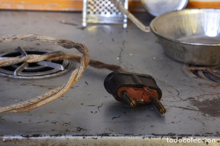 Juguetes antiguos de hojalata: Antigua cocinita con electricidad - Viuda e hijos de Marsal Denia, cacharritos - Cocina juguete - Foto 15 - 120726203