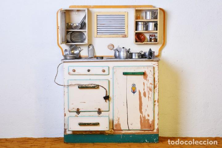 Juguetes antiguos de hojalata: Antigua cocinita con electricidad - Viuda e hijos de Marsal Denia, cacharritos - Cocina juguete - Foto 16 - 120726203