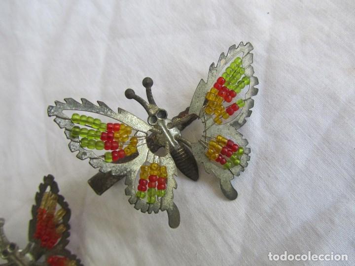 Juguetes antiguos de hojalata: 2 pinzas para el pelo de hojalata Mariposas con muelles. Ideal muñecas con coletas - Foto 3 - 121028139