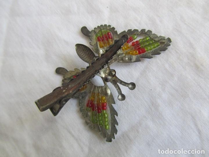 Juguetes antiguos de hojalata: 2 pinzas para el pelo de hojalata Mariposas con muelles. Ideal muñecas con coletas - Foto 4 - 121028139