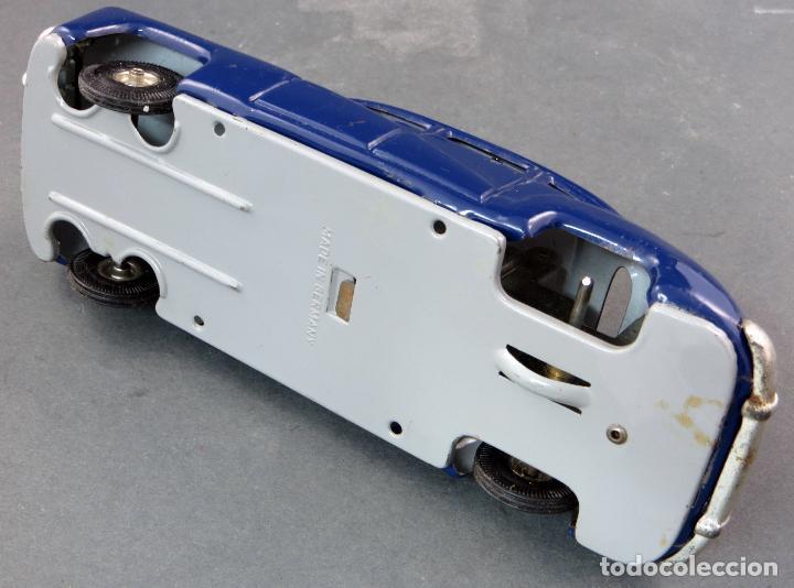 Juguetes antiguos de hojalata: Coche automobil hojalata Made in Germany a fricción Funciona años 50 - Foto 6 - 121354259