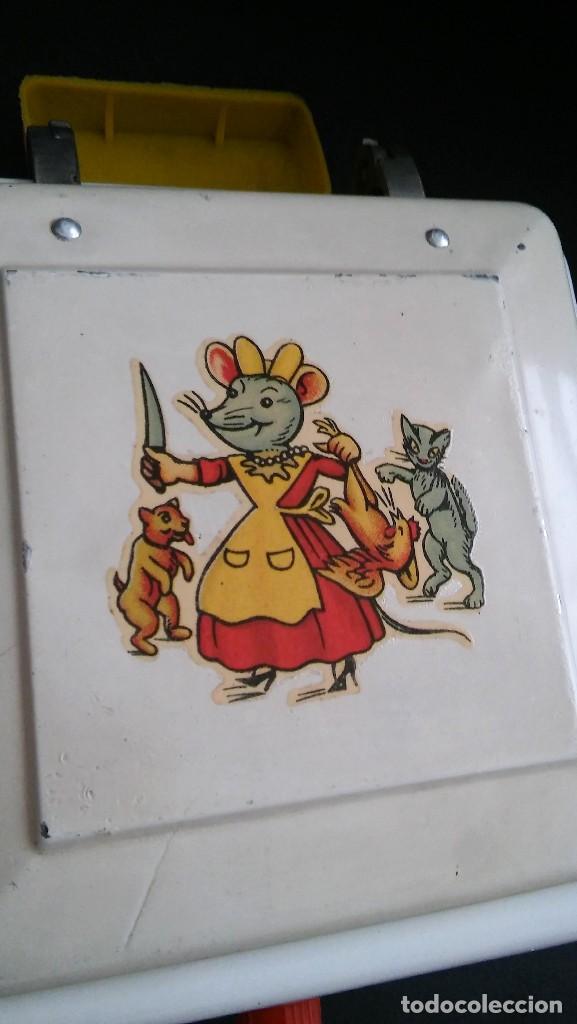 Juguetes antiguos de hojalata: Cocinita cocina fogón de hojalata chapa metálica, juguete muñeca, animalitos antigua s XX - Foto 9 - 121970823