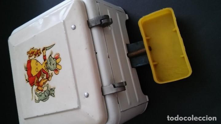 Juguetes antiguos de hojalata: Cocinita cocina fogón de hojalata chapa metálica, juguete muñeca, animalitos antigua s XX - Foto 10 - 121970823