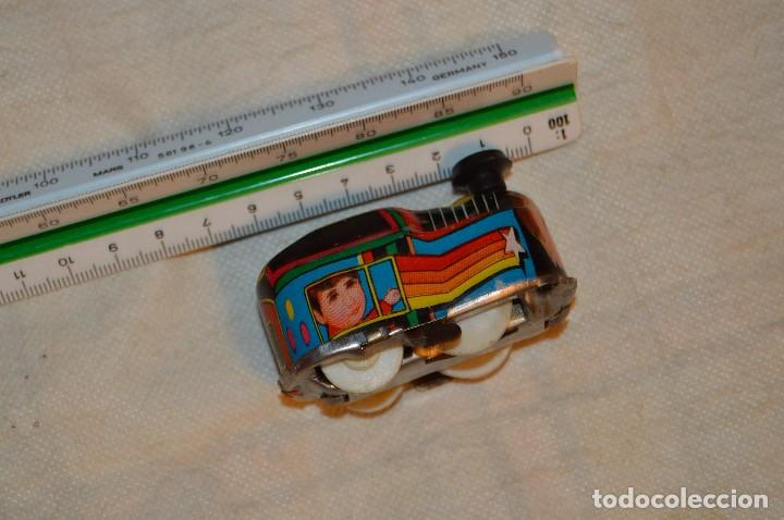Juguetes antiguos de hojalata: VINTAGE - PISTA DE HOJALATA CON TRENECITO A CUERDA - FUNCIONA - LUNA - HAZ OFERTA - ENVÍO 24H - Foto 15 - 123380267