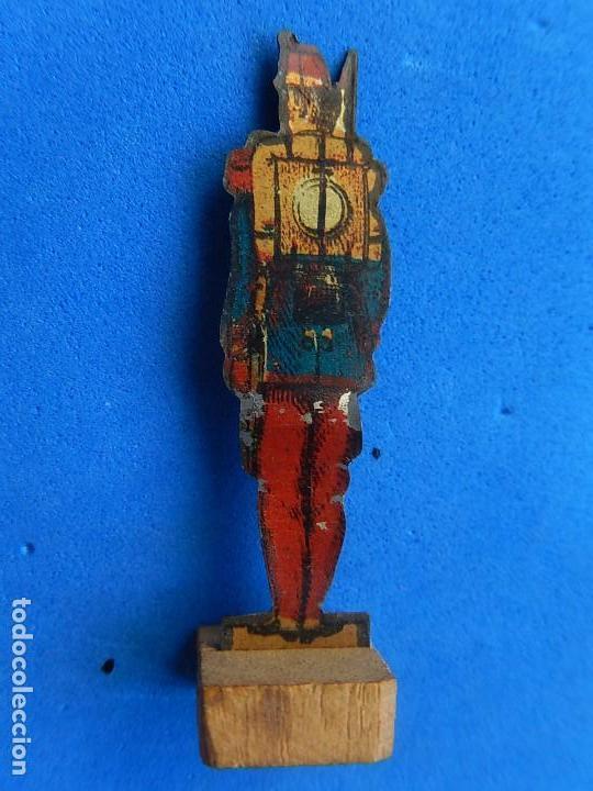 Juguetes antiguos de hojalata: Soldados antiguos planos de hojalata litografiada. Finales XIX. Principios del XX. - Foto 10 - 126888095