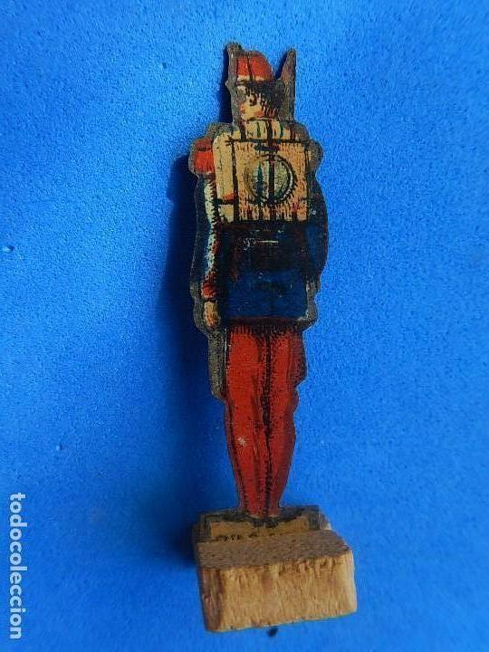 Juguetes antiguos de hojalata: Soldados antiguos planos de hojalata litografiada. Finales XIX. Principios del XX. - Foto 12 - 126888095