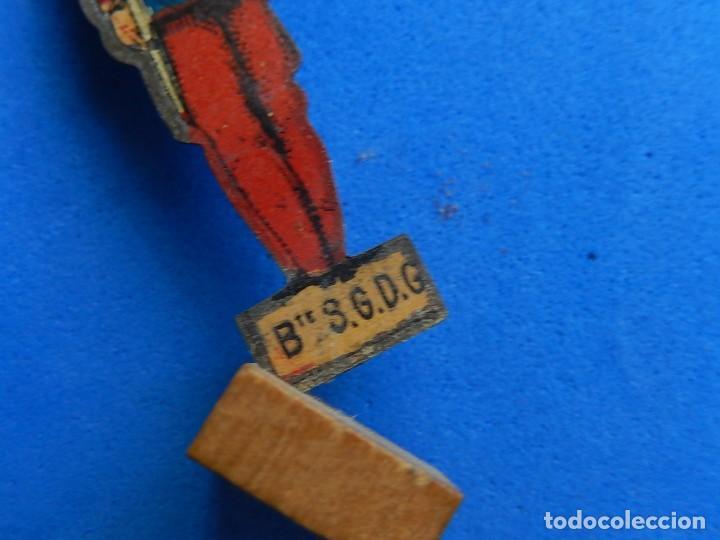 Juguetes antiguos de hojalata: Soldados antiguos planos de hojalata litografiada. Finales XIX. Principios del XX. - Foto 21 - 126888095