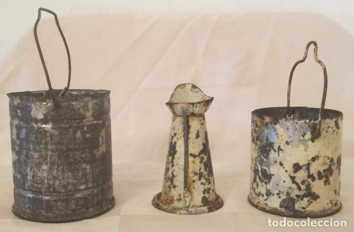 Juguetes antiguos de hojalata: Antiguos calderos y jarra en hojalata - Foto 2 - 127456491