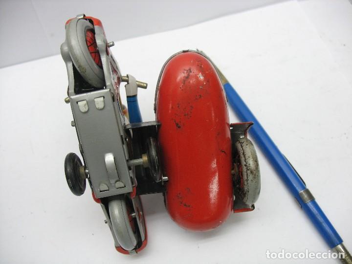 Juguetes antiguos de hojalata: moto con sidecar de hojalata a cuerda - Foto 5 - 127728447