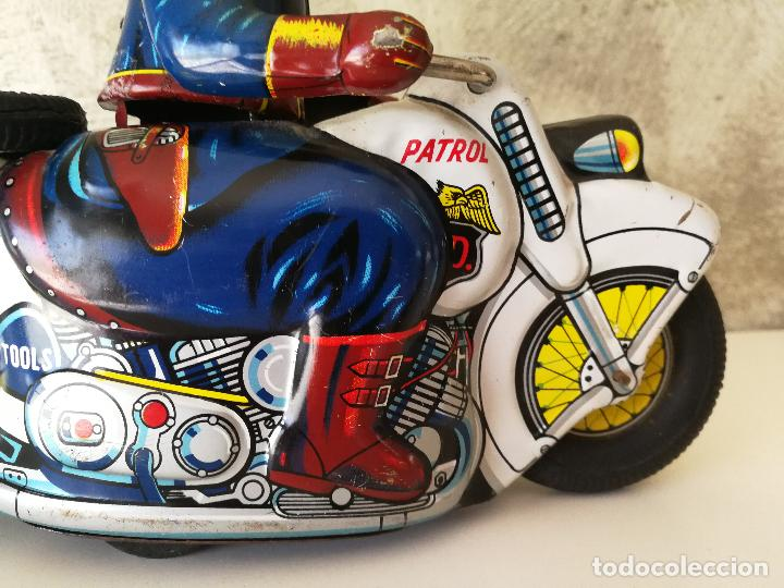 Juguetes antiguos de hojalata: ANTIGUA MOTO POLICIA DE HOJALATA A FRICCIÓN MADE IN JAPAN - Foto 3 - 128079751