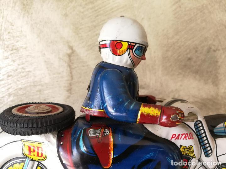 Juguetes antiguos de hojalata: ANTIGUA MOTO POLICIA DE HOJALATA A FRICCIÓN MADE IN JAPAN - Foto 4 - 128079751