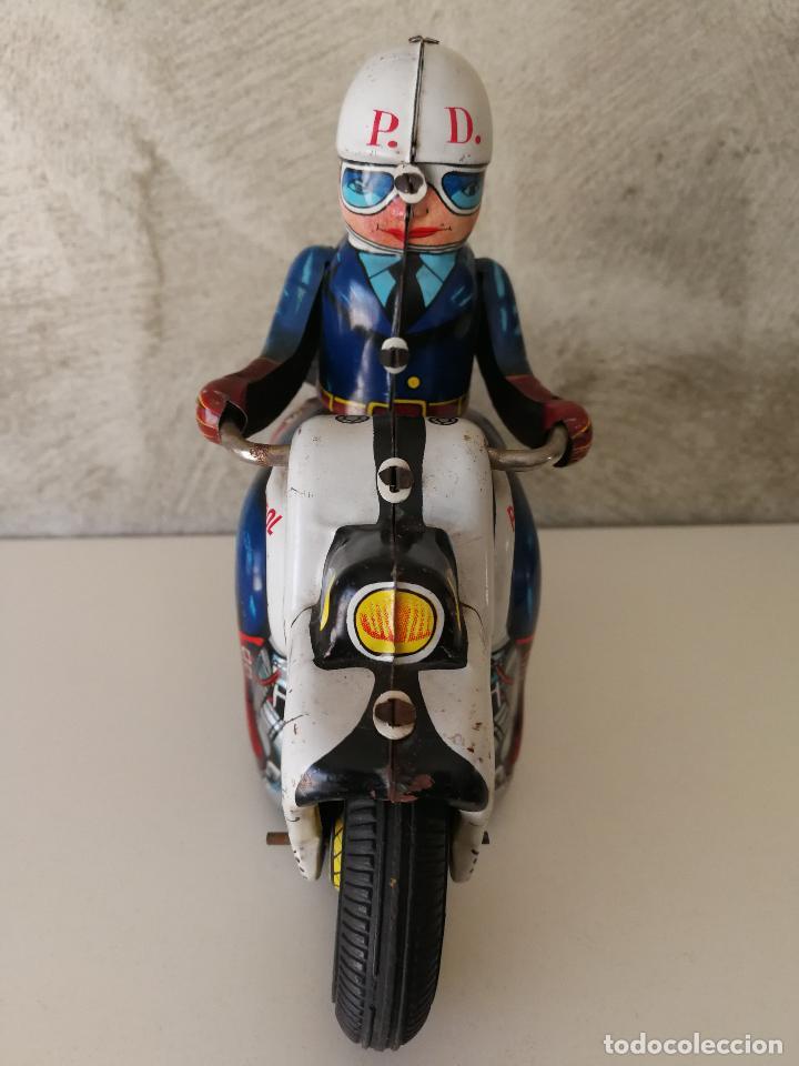 Juguetes antiguos de hojalata: ANTIGUA MOTO POLICIA DE HOJALATA A FRICCIÓN MADE IN JAPAN - Foto 10 - 128079751