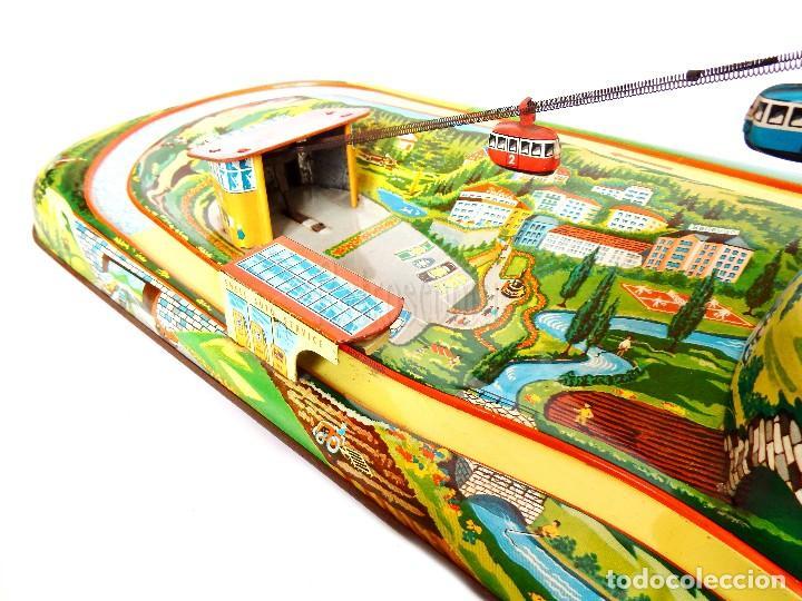 Juguetes antiguos de hojalata: PISTA ACCESORIOS MOVIBLES TELEFÉRICO CABLE CAR TECHNOFIX WESTERN GERMANY A CUERDA AÑOS 60 CON CAJA - Foto 5 - 128491283
