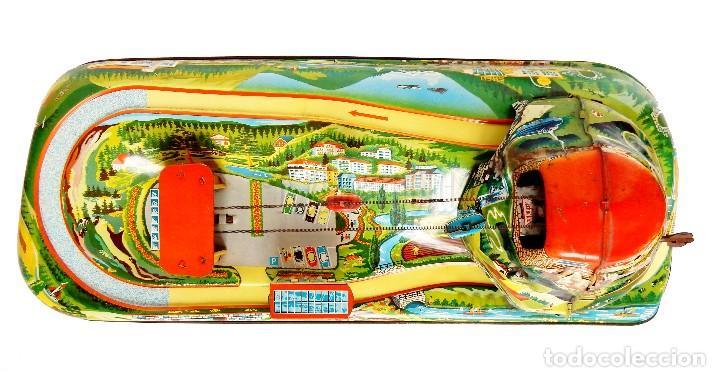 Juguetes antiguos de hojalata: PISTA ACCESORIOS MOVIBLES TELEFÉRICO CABLE CAR TECHNOFIX WESTERN GERMANY A CUERDA AÑOS 60 CON CAJA - Foto 14 - 128491283