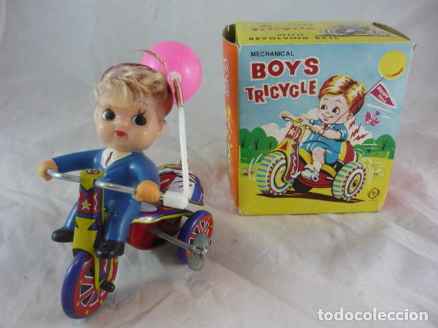TRICICLO DE CUERDA EN CAJA - BOYS TRICYCLE - CON CAMPANA - MECHANICAL WITH REVOLVING BELL (Juguetes - Juguetes Antiguos de Hojalata Internacionales)
