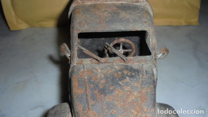Juguetes antiguos de hojalata: (M) ANTIGUA FURGONETA CITROEN CON PUBLICIDAD DE ALGUNA BEBIDA . COCHE DE LATA NO SABEMOS LA MARCA - Foto 8 - 129534899