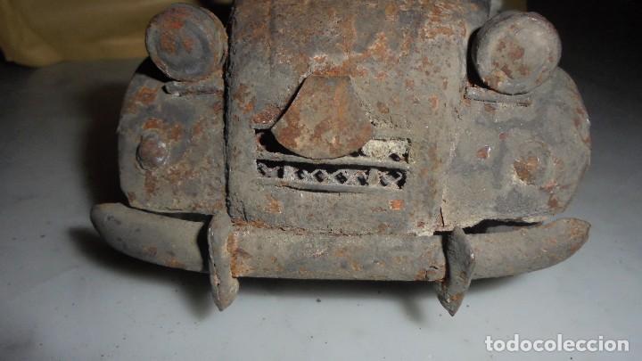 Juguetes antiguos de hojalata: (M) ANTIGUA FURGONETA CITROEN CON PUBLICIDAD DE ALGUNA BEBIDA . COCHE DE LATA NO SABEMOS LA MARCA - Foto 13 - 129534899