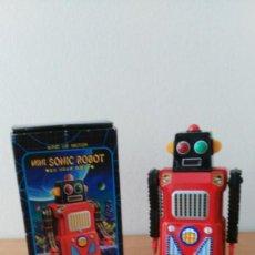 Juguetes antiguos de hojalata: MINI SONIC ROBOT MASUDAYA. Lote 133719482