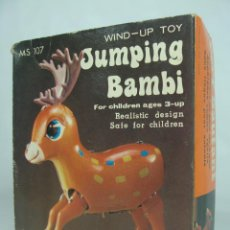 Juguetes antiguos de hojalata: JUMPING BAMBI - CIERVO DE HOJALATA LITOGRAFIADA A CUERDA - HECHO EN CHINA EN LOS 60S-70S. Lote 133726686