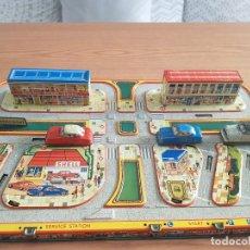 Juguetes antiguos de hojalata - Pista coches hojalata - 135419086