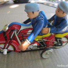Juguetes antiguos de hojalata: MOTOR CYCLE , DE FRICCION , HECHO EN CHINA , AÑO 1990 CON CAJA ORIGINAL , MOTO DE HOJALATA. Lote 137424470