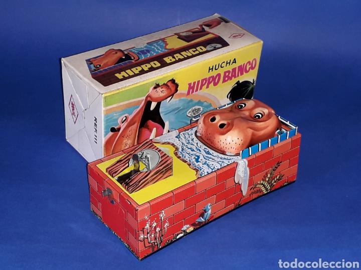 Juguetes antiguos de hojalata: Hucha Hipopótamo Hippo Banco, hojalata, mecanismo a cuerda, Hedi made in Spain, original años 60-70. - Foto 5 - 151239033