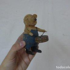 Juguetes antiguos de hojalata: ANTIGUO OSO DE JUGUETE SCHUCO ORIGINAL, A CUERDA. . Lote 138236566