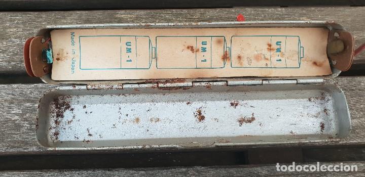 Juguetes antiguos de hojalata: RARO COCHE JAMES BOND 007 ASTON MARTIN DE HOJALATA (LATA) JAPONES CON MANDO , AÑOS 70 - Foto 10 - 140797914