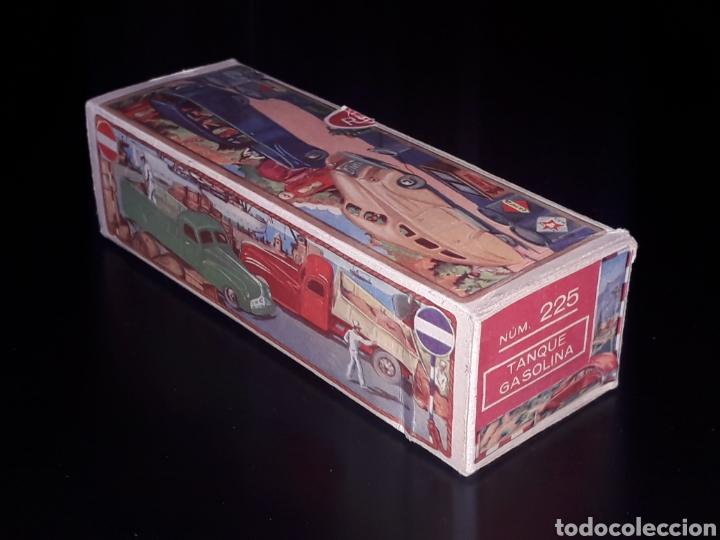 Juguetes antiguos de hojalata: Caja vacía empty box Camioneta tanque gasolina ref. 225, Rico Ibi Spain. Original años 40-50. - Foto 4 - 141471790