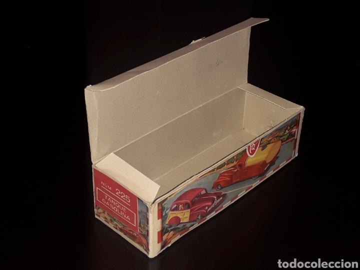 Juguetes antiguos de hojalata: Caja vacía empty box Camioneta tanque gasolina ref. 225, Rico Ibi Spain. Original años 40-50. - Foto 7 - 141471790